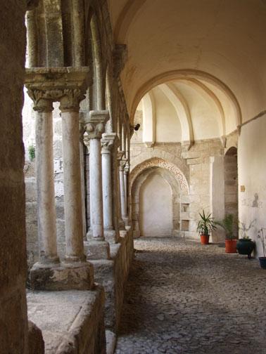Portuguese Arches - Evora